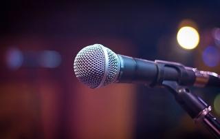 microphone-1261793_640 (1)